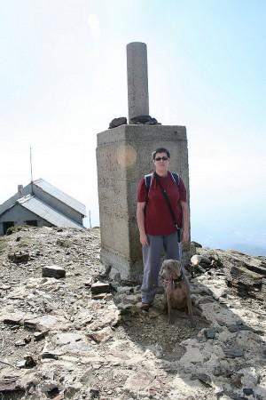 En el punto más alto del Turó de l'Home (1.712 m.)